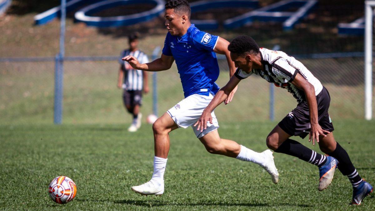 Cruzeiro goleia e avança para semifinais do estadual no sub-17