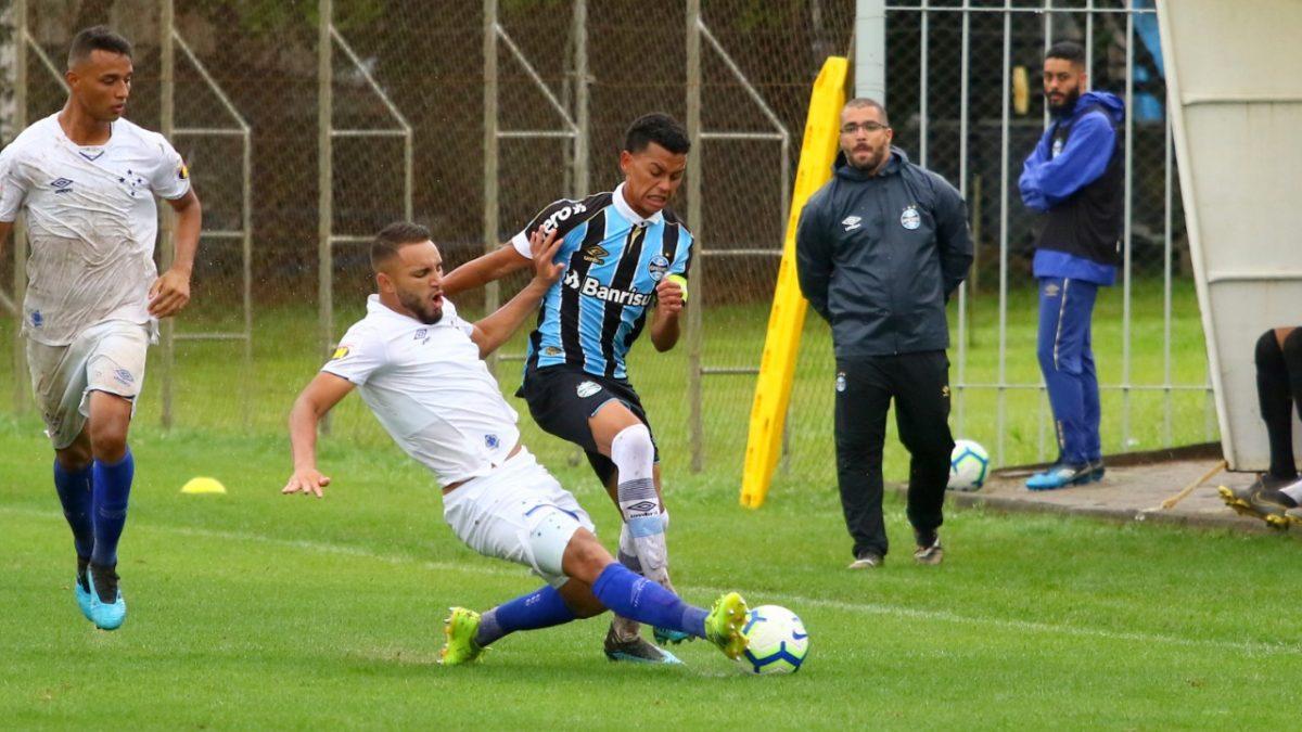 Sub-20 joga bem mas fica no empate com o Grêmio