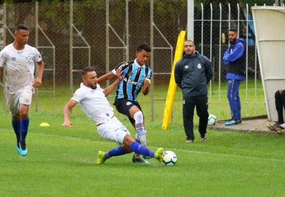 Raposa fez bom jogo, apesar do gramado encharcado - Foto: Rodrigo Fatturi/Grêmio