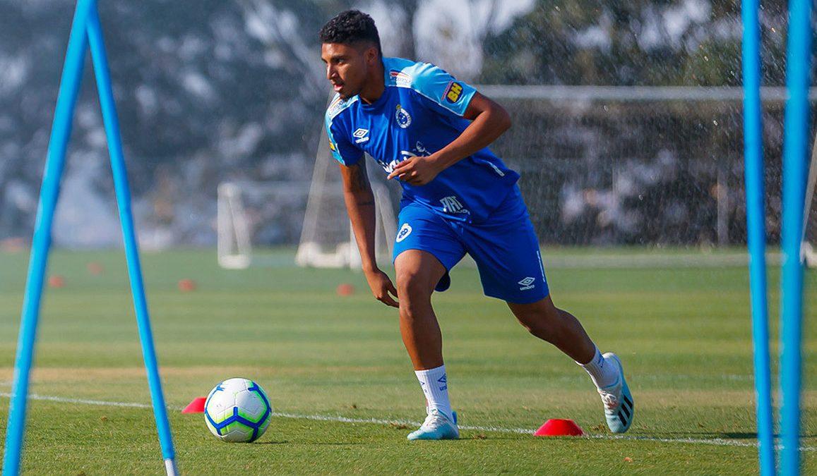 Com bom desempenho individual, Éderson pede para torcedores seguirem acreditando na recuperação do Cruzeiro