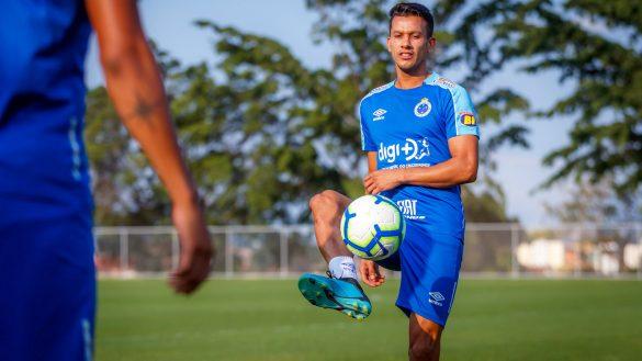 Capitão do Cruzeiro, Henrique ressaltou apoio da torcida - Foto: Vinicius Silva/ Cruzeiro