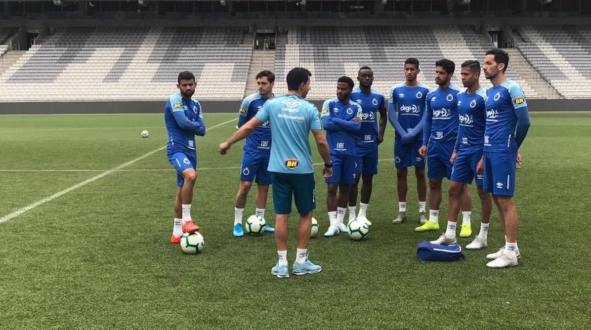 Atletas treinam em Curitiba e dão início à preparação para o clássico de domingo