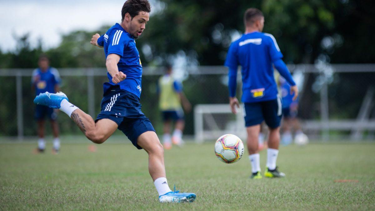 Autor do gol em Patrocínio, Maurício analisa sequência de jogos fora de casa e comenta sobre a chegada de Moreno ao clube