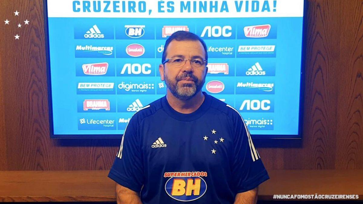 Novo técnico Celeste, Enderson Moreira é apresentado oficialmente em entrevista coletiva virtual